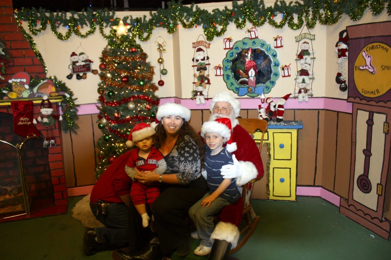 Snoopy House Santa