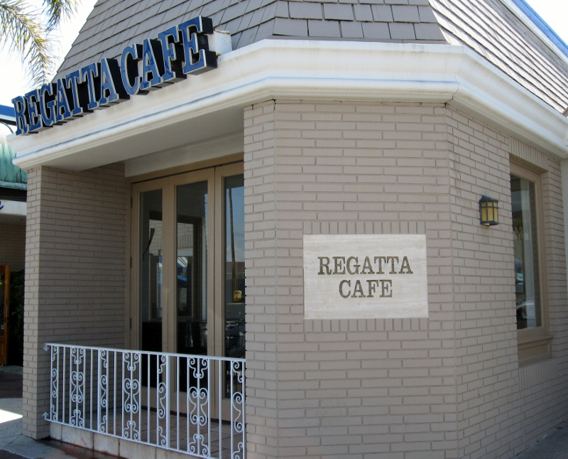 regatta cafe